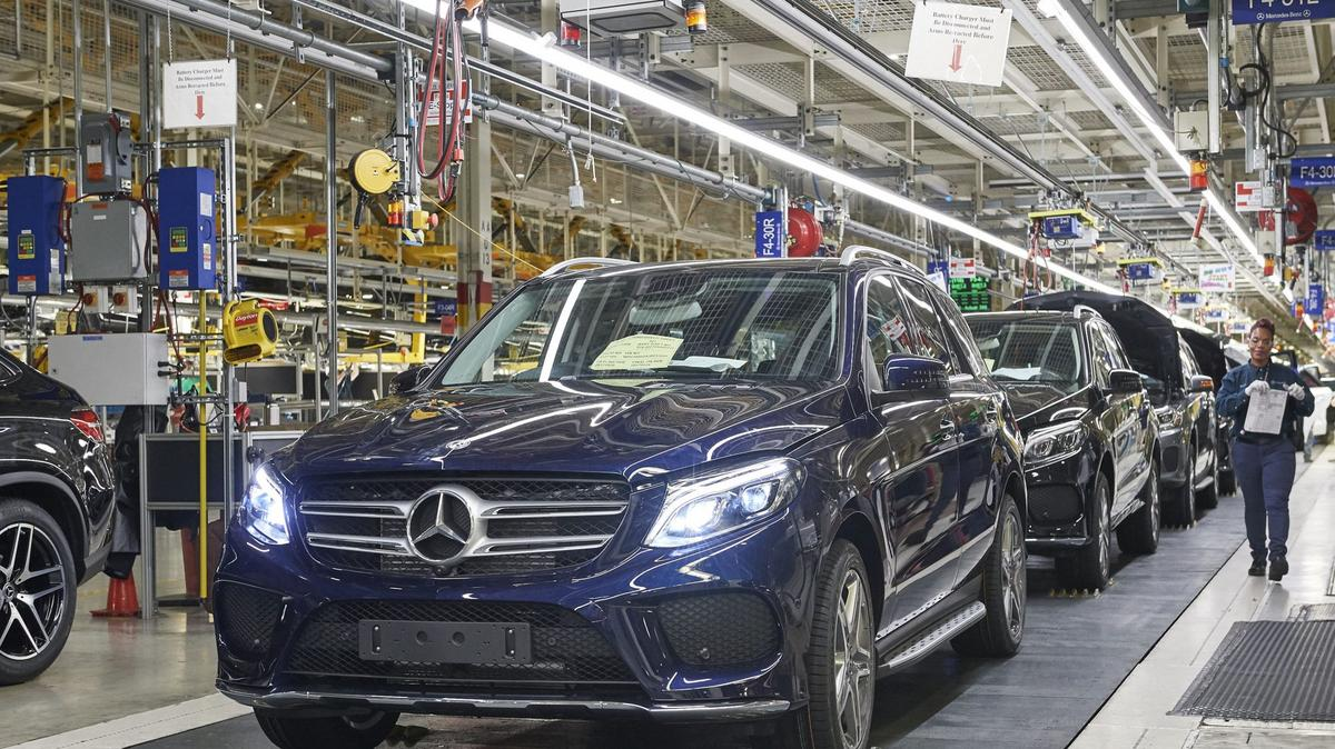 Rising manufacturing tide brings jobs to alabama for Mercedes benz jobs alabama