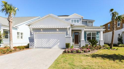 Beautiful home in the Atlantic Beach Country Club for $1,100,000