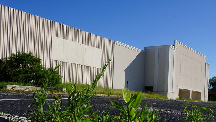 Penzey's Northridge Mall gift to Milwaukee advances