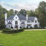 Home of the Day: Majestic Home in Picture-Perfect Site!