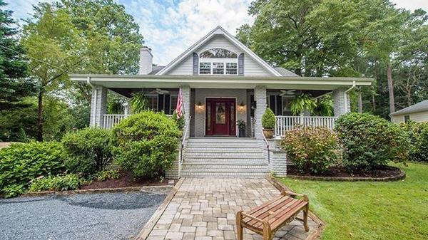 Exquisitely Maintained Home on the Wicomico River