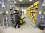See how Amazon's Prime Now hub in Milwaukee delivers 'holiday miracles'