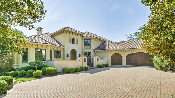 Stunning Home in Tuscany Reserve!