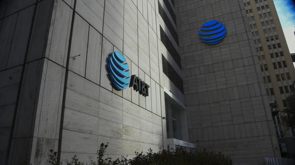 AT&T adds tool to securities lineup with preferred stock as it looks to satiate all investors