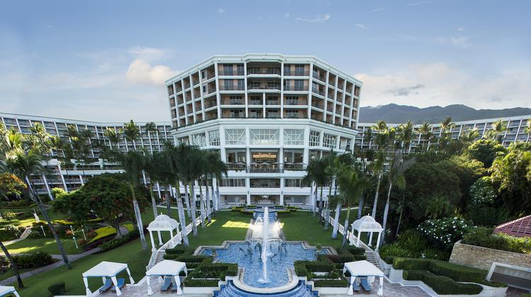 Blackstone Is Reportedly Ing The Grand Wailea A Waldorf Astoria Resort On Maui