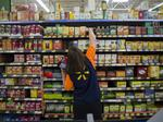 Walmart, citing tax cuts, will raise starting wages and expand benefits