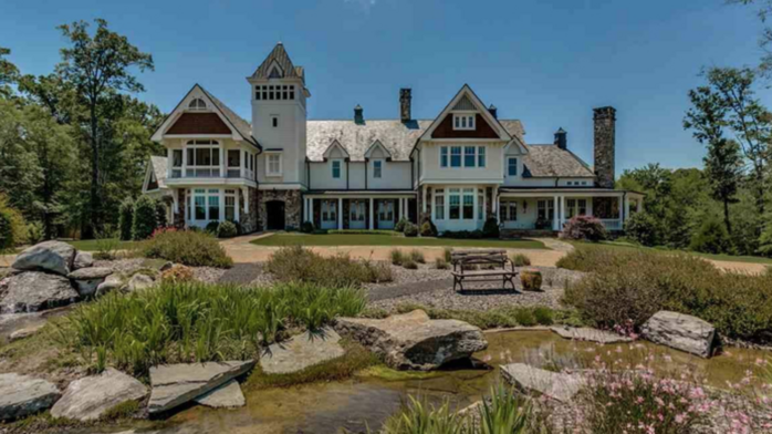 Luxury Living: A look inside the $5.9M mansion on the market in Indian Springs
