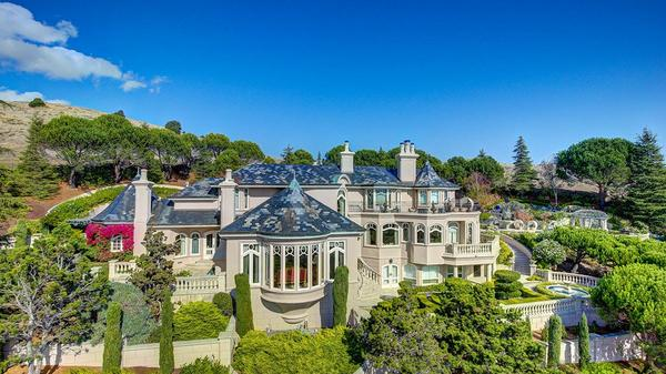 Palatial Tiburon Estate with San Francisco Skyline Views