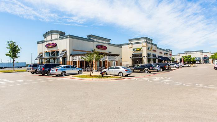 Santikos Real Estate sells shopping center in Northeast SA
