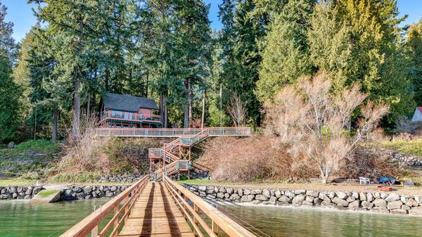 Ultimate Pacific Northwest Living at Sandy Hook Waterfront Estate in Poulsbo