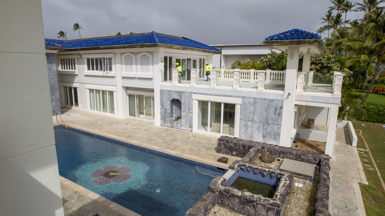 Attractive A View Of The Backyard And Pool Area Of A Home In Kahala Formerly Owned By