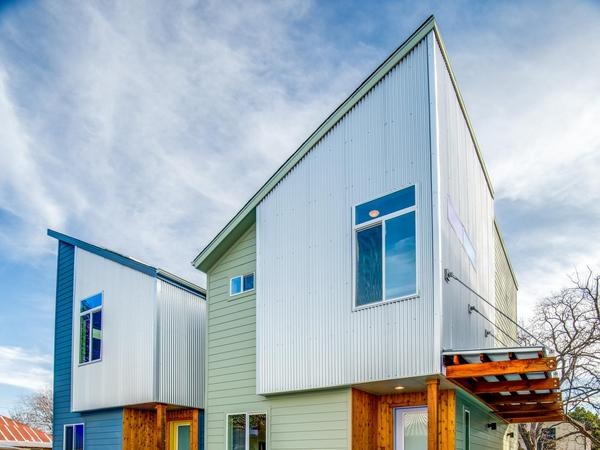 Home of the Day: Premier Location