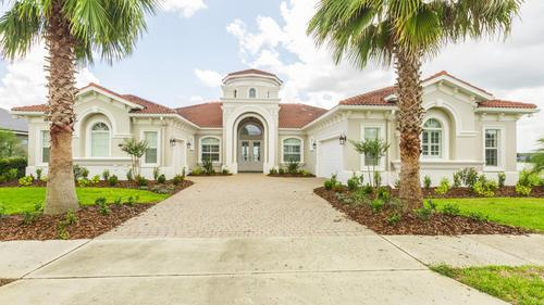 Lake front home in Auburndale for $799,995