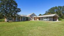 Spacious home in Apopka on over 5 acres for $775,000