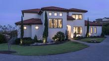 Santa Barbara-Style in Spanish Oaks