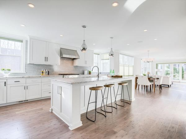Home of the Day: Luxurious Cape Cod in Walking Distance to 50th & France & Lake Harriet