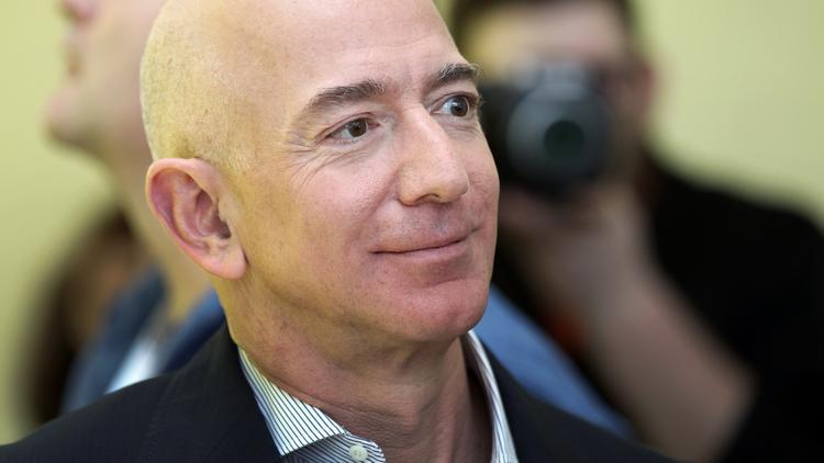 Amazon S Jeff Bezos Takes Robot Dog Spotmini For A Walk At His Tech