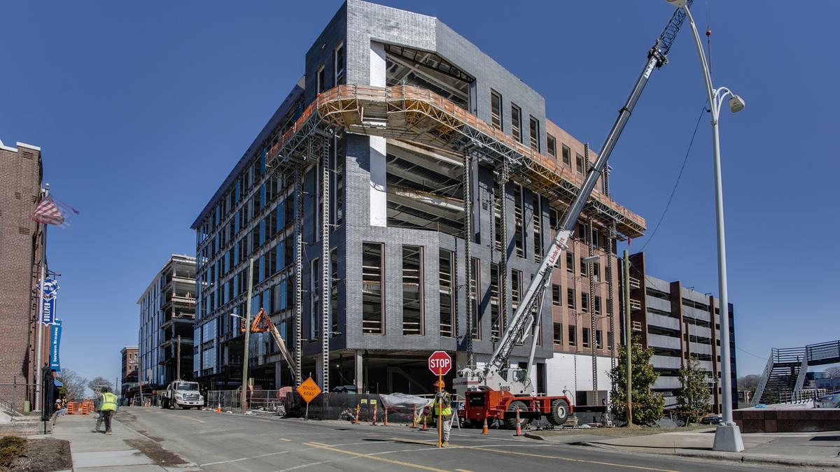 More Work Less Scrutiny Construction Booms But Inspections Dive