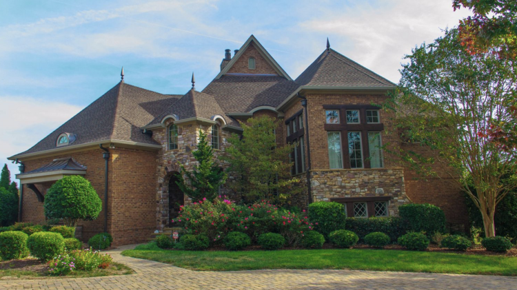 b768128cad77 Golden State Warriors star Stephen Curry and wife Ayesha have put their home  in Waxhaw on