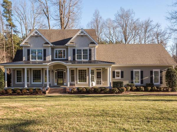 Home of the Day: Perfect Location for Your Own Horse Farm
