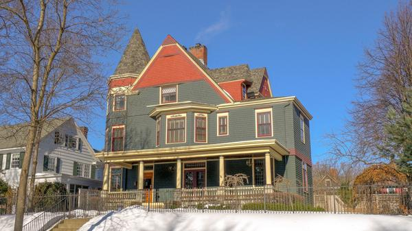 Clarence Johnston designed home on premier block of Crocus Hill!