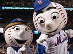 Mets sign New Balance, Mr. and Mrs. Met getting new kicks