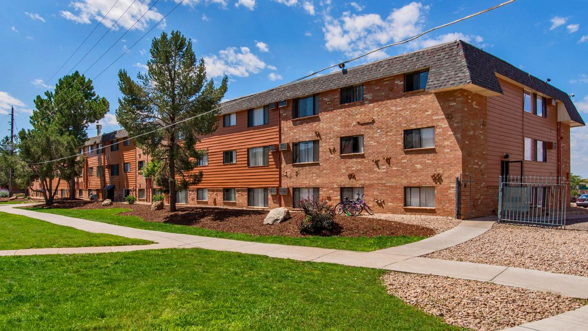 Aurora Apartment Complex Near I 225 Sells For 31 5