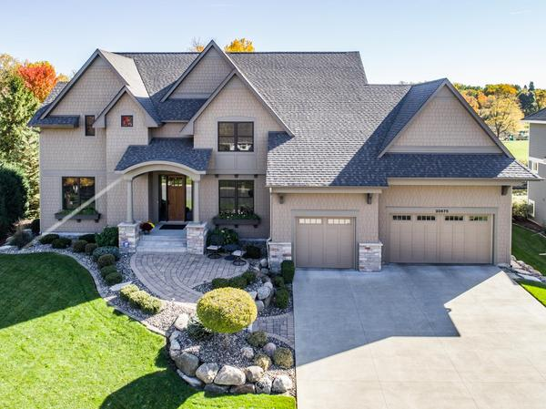 Home of the Day: Custom Built Home + Location = 10 Stars