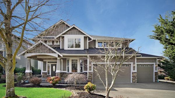 Gated Community Home with Custom Finishes in Bonney Lake