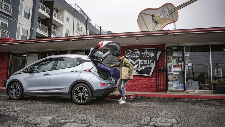 GM expands car-sharing program