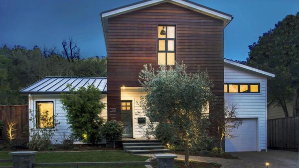 Sophisticated and Energy Efficient Modern Farmhouse