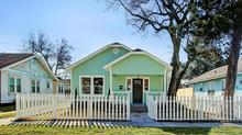 Picture Perfect Bungalow In Highly Sought-After Norhill Heights