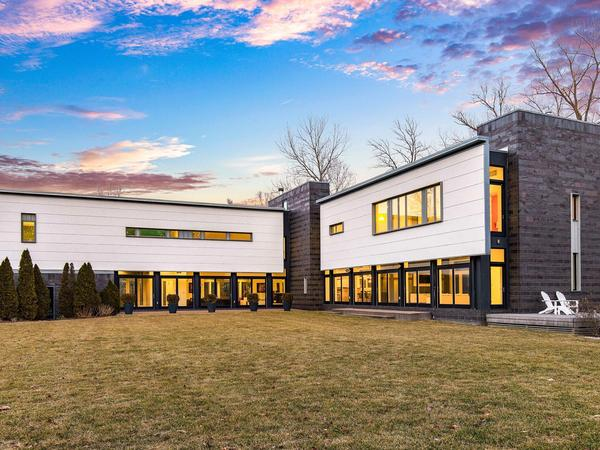 Home of the Day: A Contemporary Masterpiece in Ladue