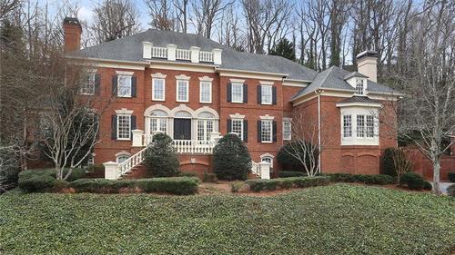 Elegant Estate in River Chase!