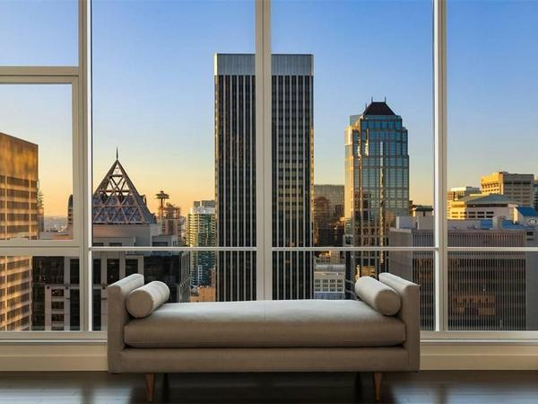Home of the Day: Newly Priced View Penthouse for Elevated Living in Seattle