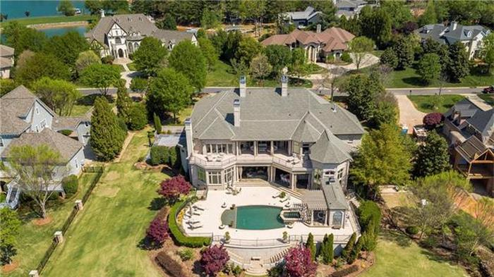 PHOTOS: Inside the 'Ricky Bobby' mansion at LKN — and Meck County's other priciest home sales in February