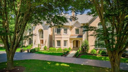 Country Chateau in Highly Desirable Falcon Ridge