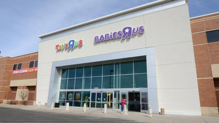 Toys R Us Demise Will Leave 330 000 Square Foot Hole In Minnesota S