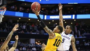 Buzz: Scenes from wild NCAA weekend in Charlotte
