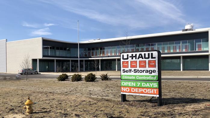 U-Haul makes big statement at former Jewel-Osco Chicago headquarters