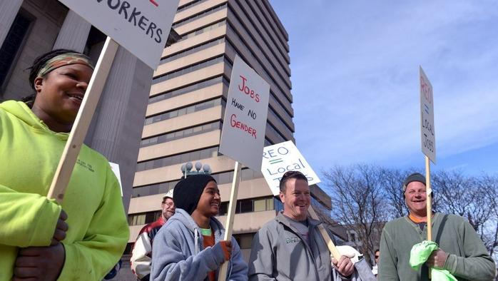 Carpenters picket Springfield City Hall to show support for diversity