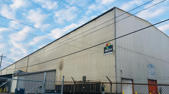 Louisville manufacturer shuts down operations, auctioning off property
