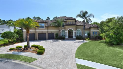 Custom estate in Palencia for $1,085,000