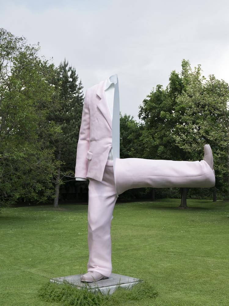 That Large White Sculpture In Milwaukee >> Sculpture Milwaukee To Start Installing Downtown Artworks May 10