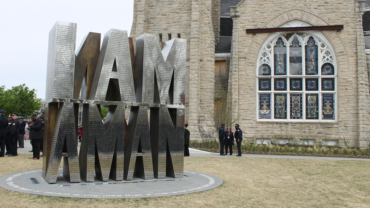 Memphis dedicates i am a man plaza near downtowns clayborn temple