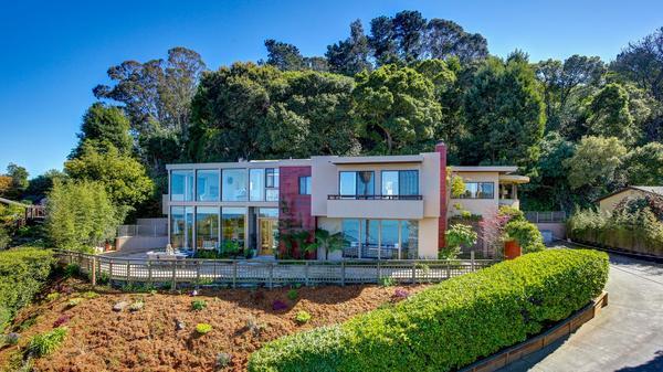 Mid-Century Modern View Residence