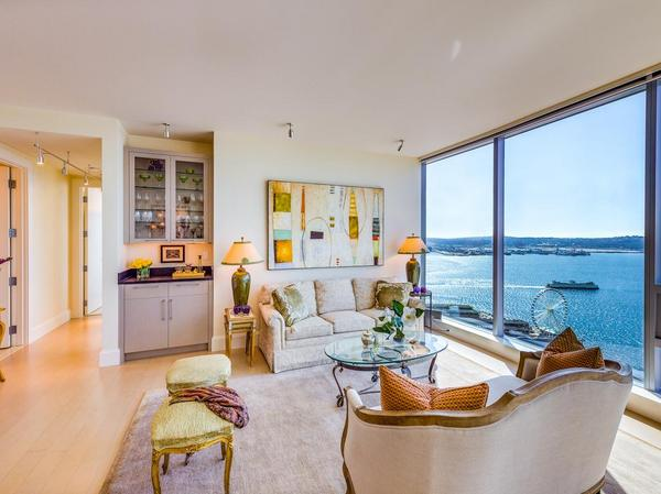 Home of the Day: Endless Views of the Seattle Waterfront and Beyond