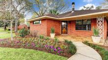 Charming Home On Corner Lot in Timbergrove Manor