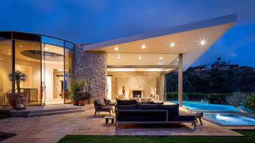 Lavishly Designed Contemporary Home Lives and Breathes Artistic Energy