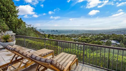 Beautifully Designed and Sophisticated Home with Expansive Views